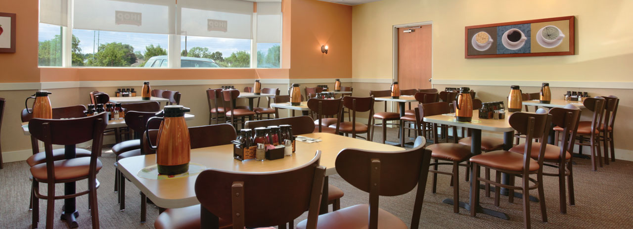 Dining - Ramada By Wyndham Niagara Falls By The River