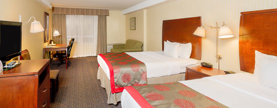 Ramada By Wyndham Niagara Falls By The River - 2 Queen Beds Superior Family Room